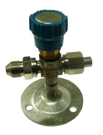 клапан запорный к1101-16 вентиль игольчатый с переходников  ж14 Р8